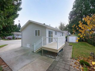 "Photo 3: 113 4510 SUNSHINE COAST Highway in Sechelt: Sechelt District Manufactured Home for sale in ""BIG MAPLES"" (Sunshine Coast)  : MLS®# R2418771"