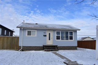 Photo 1: 931 Dugas Street in Winnipeg: Windsor Park Residential for sale (2G)  : MLS®# 1932232