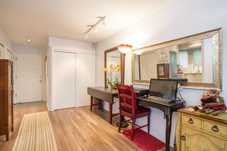 Photo 5: 101 131 W 20TH Street in North Vancouver: Central Lonsdale Condo for sale : MLS®# R2426540
