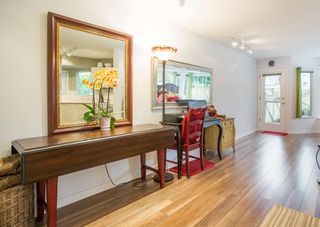 Photo 2: 101 131 W 20TH Street in North Vancouver: Central Lonsdale Condo for sale : MLS®# R2426540