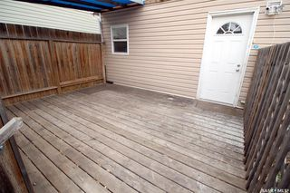 Photo 2: 915 L Avenue South in Saskatoon: King George Residential for sale : MLS®# SK806325