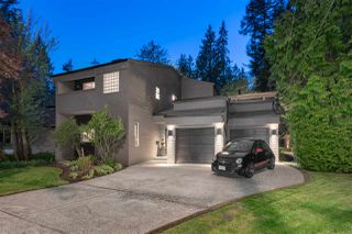 Main Photo: 3633 ROBINSON Road in North Vancouver: Lynn Valley House for sale : MLS®# R2455563