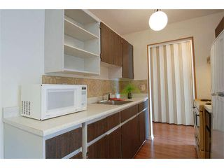 Photo 3: 102 15369 THRIFT AV in White Rock: Home for sale : MLS®# F1408124