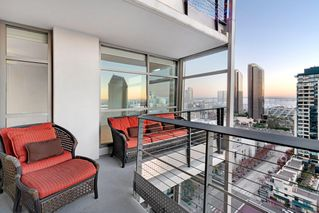 Photo 4: Condo for rent : 2 bedrooms : 645 Front St #1907 in San Diego