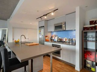 """Photo 4: 801 128 W CORDOVA Street in Vancouver: Downtown VW Condo for sale in """"WOODWARDS"""" (Vancouver West)  : MLS®# V899216"""