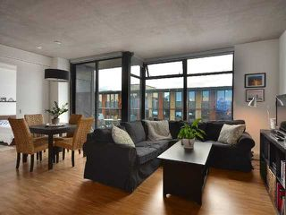 """Photo 2: 801 128 W CORDOVA Street in Vancouver: Downtown VW Condo for sale in """"WOODWARDS"""" (Vancouver West)  : MLS®# V899216"""