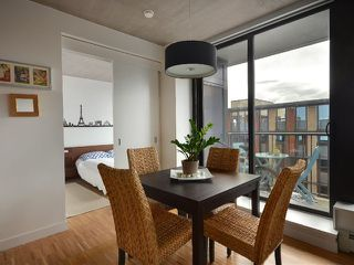 """Photo 3: 801 128 W CORDOVA Street in Vancouver: Downtown VW Condo for sale in """"WOODWARDS"""" (Vancouver West)  : MLS®# V899216"""
