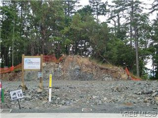 Photo 2: 3677 Coleman Pl in VICTORIA: Co Latoria Single Family Detached for sale (Colwood)  : MLS®# 582104