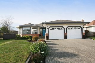 "Photo 1: 6135 185A Street in Surrey: Cloverdale BC House for sale in ""EAGLE CREST"" (Cloverdale)  : MLS®# F1402366"