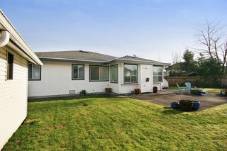 "Photo 18: 6135 185A Street in Surrey: Cloverdale BC House for sale in ""EAGLE CREST"" (Cloverdale)  : MLS®# F1402366"