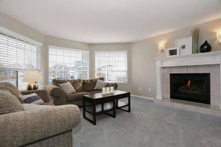 "Photo 3: 6135 185A Street in Surrey: Cloverdale BC House for sale in ""EAGLE CREST"" (Cloverdale)  : MLS®# F1402366"