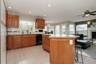 "Photo 8: 6135 185A Street in Surrey: Cloverdale BC House for sale in ""EAGLE CREST"" (Cloverdale)  : MLS®# F1402366"
