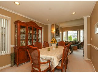 "Photo 5: 5238 GLEN ABBEY Place in Tsawwassen: Cliff Drive House for sale in ""IMPERIAL VILLAGE"" : MLS®# V1054011"