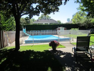 Photo 1: 1480 Durham Street in Oakville: Eastlake House (2-Storey) for sale : MLS®# W2866409