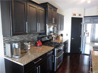 Photo 3: 7 Pentonville Crescent in WINNIPEG: St Vital Residential for sale (South East Winnipeg)  : MLS®# 1408273