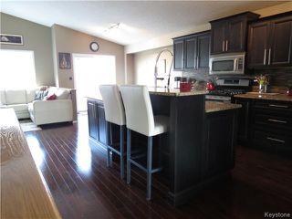 Photo 2: 7 Pentonville Crescent in WINNIPEG: St Vital Residential for sale (South East Winnipeg)  : MLS®# 1408273