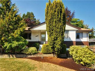 Photo 1: 3720 Casey Dr in VICTORIA: SW Tillicum Single Family Detached for sale (Saanich West)  : MLS®# 682467