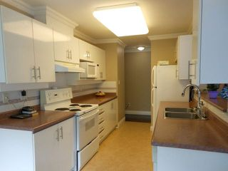 """Photo 3: 207 15140 29A Avenue in Surrey: King George Corridor Condo for sale in """"The Sands"""" (South Surrey White Rock)  : MLS®# F1422962"""