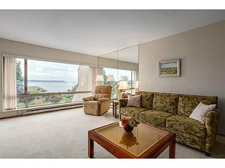 "Photo 3: 304 2471 BELLEVUE Avenue in West Vancouver: Dundarave Condo for sale in ""OCEAN PARK"" : MLS®# V1092449"