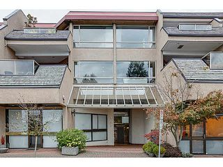 "Photo 9: 304 2471 BELLEVUE Avenue in West Vancouver: Dundarave Condo for sale in ""OCEAN PARK"" : MLS®# V1092449"