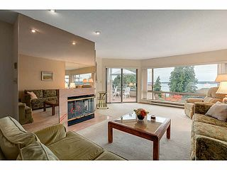"Photo 2: 304 2471 BELLEVUE Avenue in West Vancouver: Dundarave Condo for sale in ""OCEAN PARK"" : MLS®# V1092449"