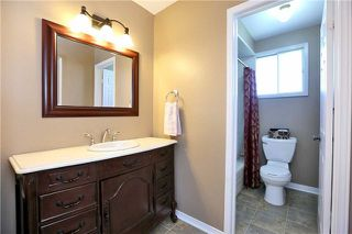 Photo 4: 800 Clements Drive in Milton: Timberlea House (2-Storey) for sale : MLS®# W3332307