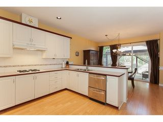 "Photo 10: 73 5811 122 Street in Surrey: Panorama Ridge Townhouse for sale in ""Lakebridge"" : MLS®# R2045411"