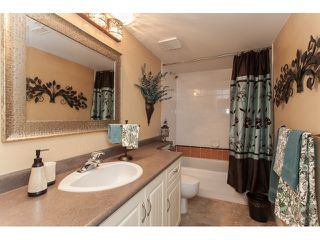 "Photo 17: 73 5811 122 Street in Surrey: Panorama Ridge Townhouse for sale in ""Lakebridge"" : MLS®# R2045411"