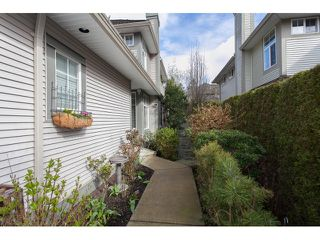 "Photo 2: 73 5811 122 Street in Surrey: Panorama Ridge Townhouse for sale in ""Lakebridge"" : MLS®# R2045411"