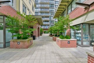 "Photo 18: 604 2959 GLEN Drive in Coquitlam: North Coquitlam Condo for sale in ""THE PARC"" : MLS®# R2144398"