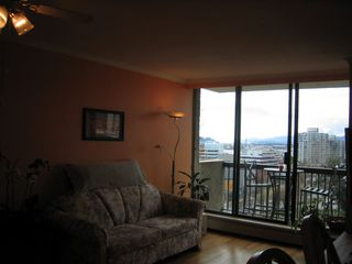 Photo 2: 702 145 ST GEORGES Ave in TALISMAN TOWERS: Home for sale : MLS®# V694361