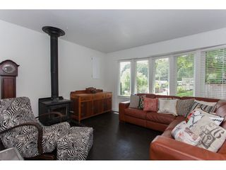 Photo 5: 7902 BURDOCK STREET in Mission: Mission BC House for sale : MLS®# R2182900