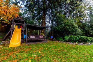 Photo 10: 7962 KAYMAR Drive in Burnaby: Suncrest House for sale (Burnaby South)  : MLS®# R2223689