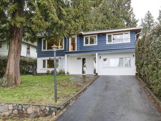 Photo 1: 1920 Ridgeway Avenue in North Vancouver: Central Lonsdale House  : MLS®# R2147491
