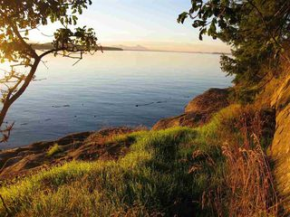 Photo 3: 22205 Porlier Pass Road in Galiano Island: Home for sale
