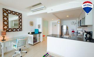 Photo 11: Oceanfront Apartment Coronado