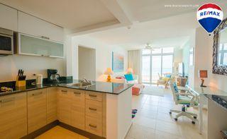 Photo 13: Oceanfront Apartment Coronado