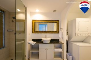 Photo 10: Oceanfront Apartment Coronado