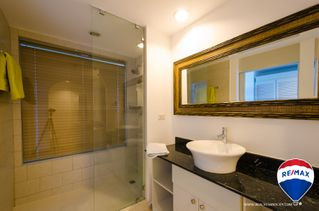 Photo 8: Oceanfront Apartment Coronado