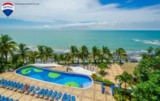 Photo 2: Oceanfront Apartment Coronado