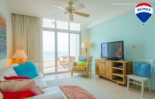 Photo 14: Oceanfront Apartment Coronado