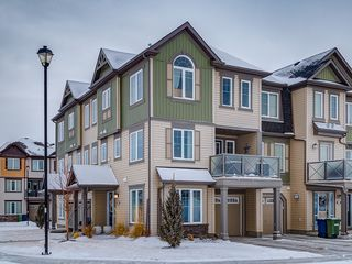 Photo 2: 100 Windstone Link SW in Airdrie: House for sale : MLS®# C4163844
