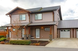 Photo 1: 11 1893 Prosser Rd in : CS Saanichton Row/Townhouse for sale (Central Saanich)  : MLS®# 780048