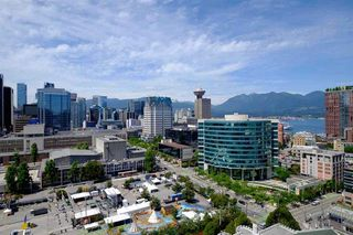 """Photo 1: 2103 668 CITADEL PARADE in Vancouver: Downtown VW Condo for sale in """"SPECTRUM 2"""" (Vancouver West)  : MLS®# R2244892"""