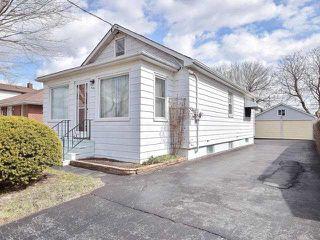 Photo 2: 539 Montrave Avenue in Oshawa: Vanier House (1 1/2 Storey) for sale : MLS®# E4087561