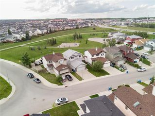 Photo 2: 15 ROYAL BIRCH Manor NW in Calgary: Royal Oak House for sale : MLS®# C4194223