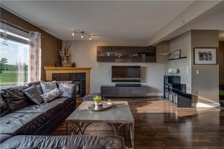 Photo 7: 15 ROYAL BIRCH Manor NW in Calgary: Royal Oak House for sale : MLS®# C4194223