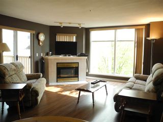 """Photo 3: 206 19131 FORD Road in Pitt Meadows: Central Meadows Condo for sale in """"WOODFORD MANOR"""" : MLS®# R2296738"""