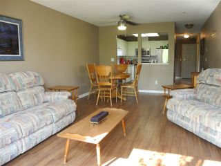 """Photo 5: 206 19131 FORD Road in Pitt Meadows: Central Meadows Condo for sale in """"WOODFORD MANOR"""" : MLS®# R2296738"""