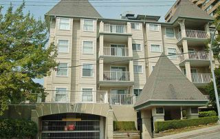 "Photo 1: 302 1035 AUCKLAND Street in New Westminster: Uptown NW Condo for sale in ""Queens Terrace"" : MLS®# R2299655"